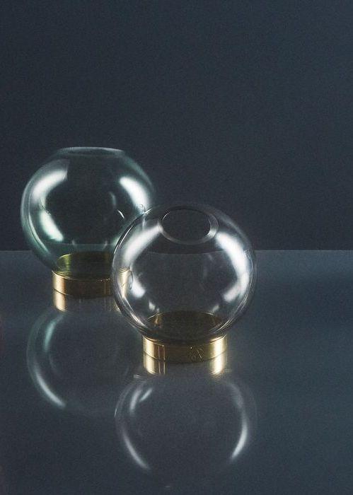 AYTM_3Globe Vase 500x700